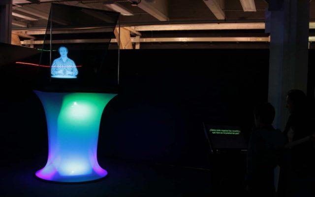 XPO JovenEs<br>{ Interactive Hologram }
